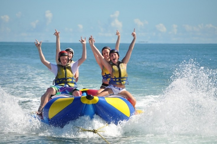 photo_Adrenalin-Fiji_Banana-Ride_banana-split.jpg